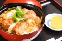"【Sasebo Lunch|Dinner】 Japanese Restaurant ""ROJIAN""|「何を隠そう~」って英語で何?| 英語OK!な店:「路地裏麺屋 ろじ庵」の絶品カツ丼"
